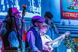 Hopping Down In Kent. Freelancer Bob Carling, on guitar.  Area 51 Photography